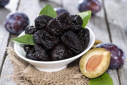 5 prunes