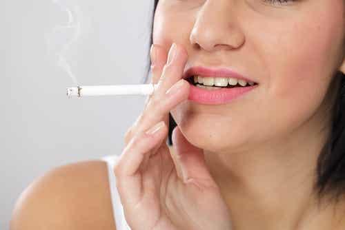 Eight Deteriorating Facial Skin Habits