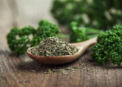 Possible Benefits of Parsley in Health and Beauty
