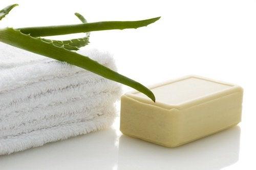 4 aloe soap