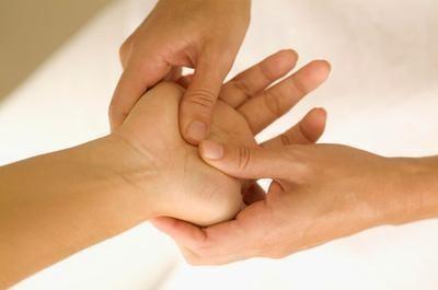 Jin Shin Jytsu hand massage