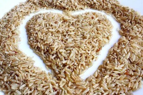 A heart written in brown rice.