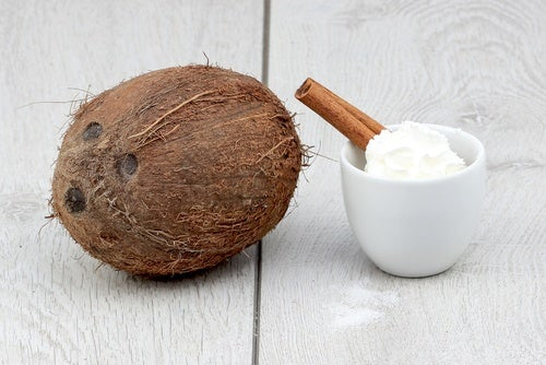 Preparing coconut cream