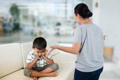7 Toxic Behaviors that Parents are Unaware of