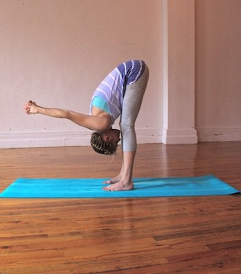 4 yoga poses to reduce back pain  step to health