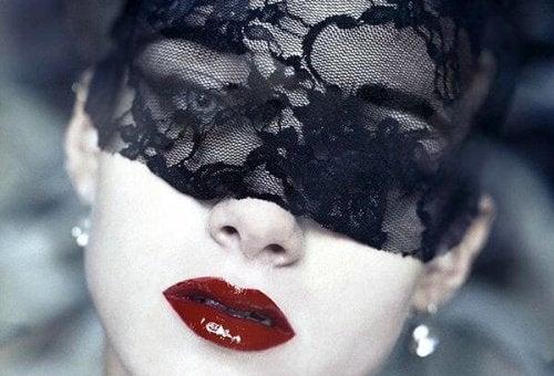 2 masked woman