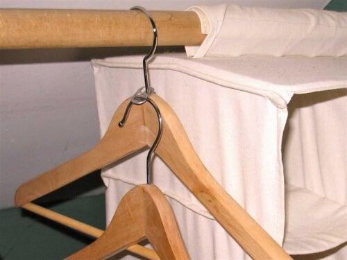 7 dual hangers