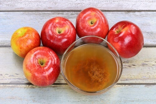 apple cider vinegar can help inhibit nail fungus