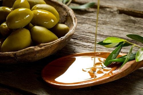 olive oil is a great moisturizing agen