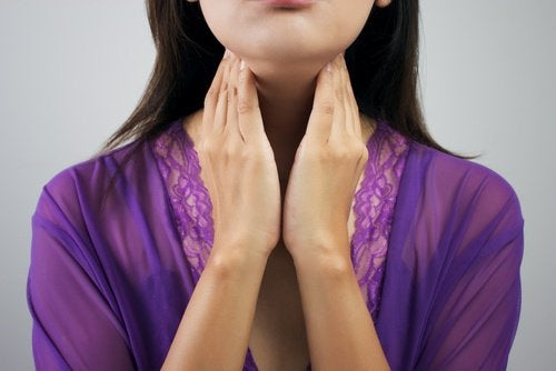 woman with thyroid problem