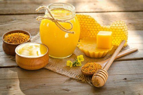 3 bees honey