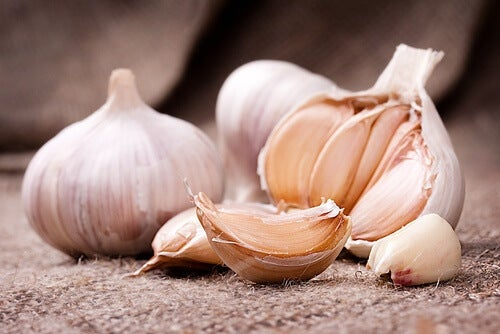 garlic for ingrown toenails