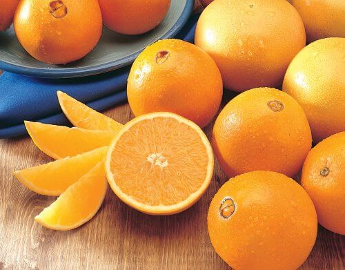 Oranges for a cleansing smoothie