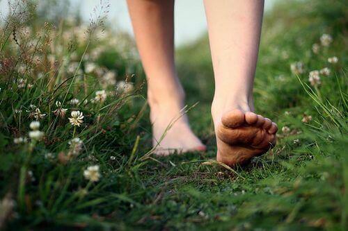 3-walking-barefoot