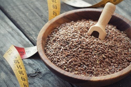 foods-fatigue-headaches-4-flaxseed