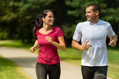 Couple jogging outside exercise flaxseed physical capacity