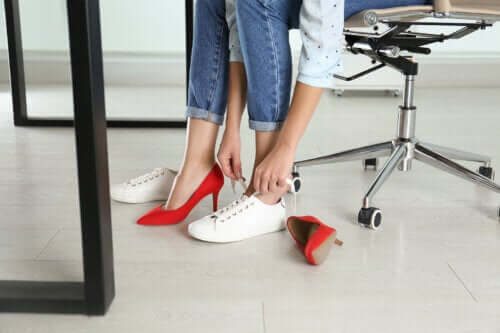 5 Benefits of Not Wearing High Heels