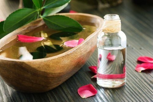 rose-water for facial sagging