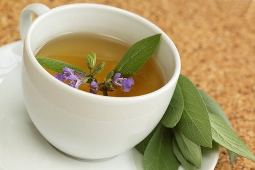 Sage tea to beat belly fat