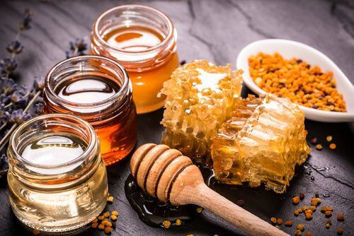 turmeric with honey 2