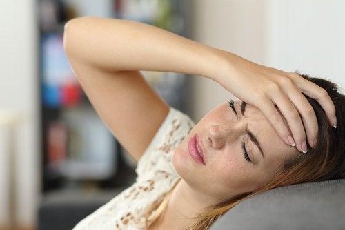 두통 및 불안감을 완화하는 라벤더 레모네이드
