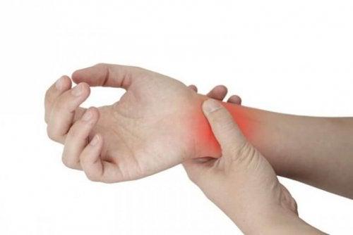 tenosynovitis-wrist-pain