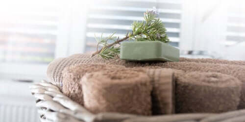 Learn to Make Rosemary Soap for Oily Skin