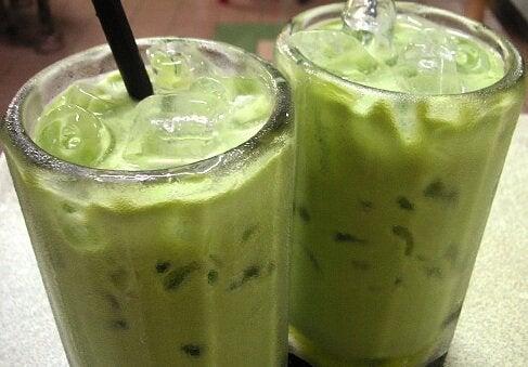 avocado smoothies to reduce cholesterol