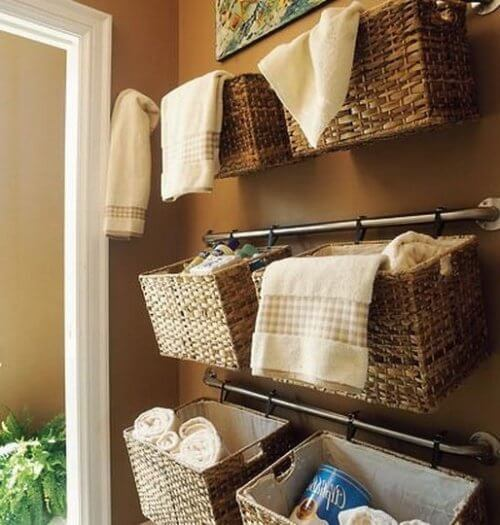 Baskets to keep your bathroom clean and organized