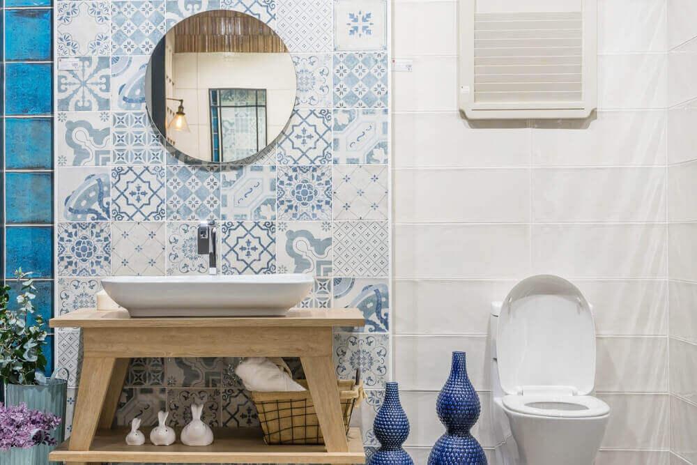A blue and white bathroom.