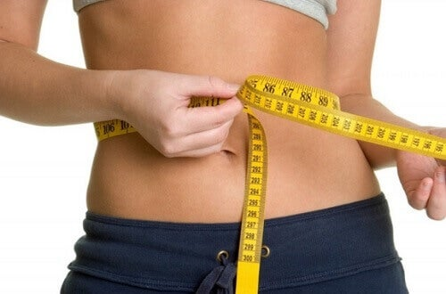 Waist size measuring waist circumference linked to heart disease and obesity