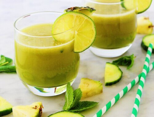 a-drink-of-apple-mint-pineapple-and-lemon-to-relax-us