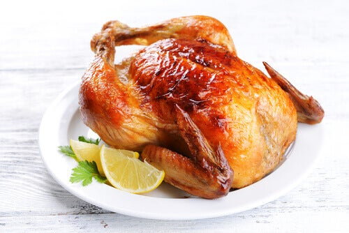 Chicken is one of the reheated foods that can cause food poisoning