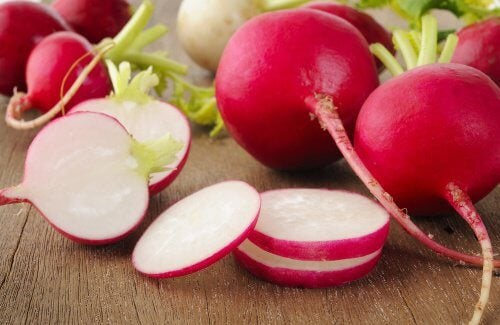 7 Reasons Why You Should Eat Radishes