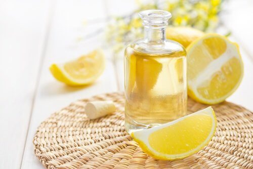 Lemon essential oil for hair odor