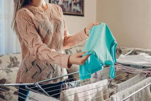 Five Home Remedies to Unshrink Clothes