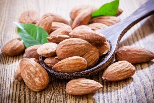Almonds raw help you lose tummy fat