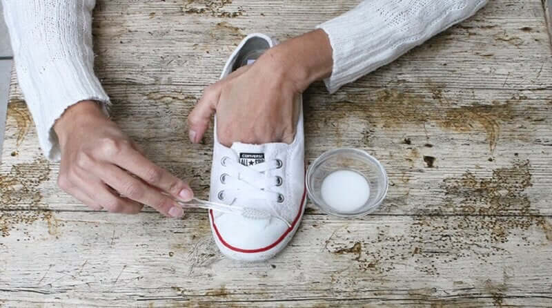 Clean your shoes with baking powder.