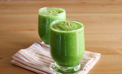 green-smoothie-500x304
