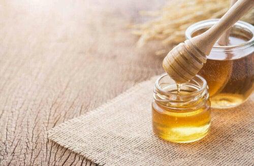 Honey can help burn abdominal fat.