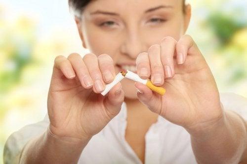 Women should stop smoking