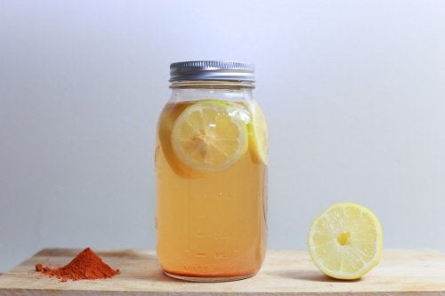 Weight Loss Tonic with Lemon and Turmeric