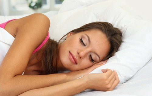 4-sleeping-with-makeup