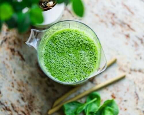 A Lemon-Parsley Remedy to Reduce Water Retention