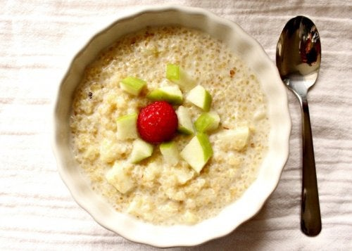 quinoa, apple and cinnamon breakfast