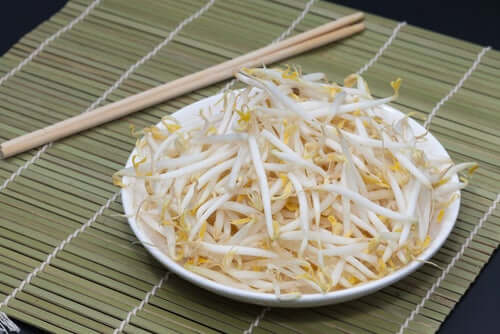 Alfalfa sprouts are a protein-rich vegetable.