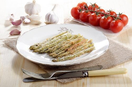 Asparagus is a good food to eat when you have heart burn
