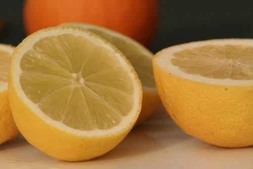 10 Amazing Uses for Lemons