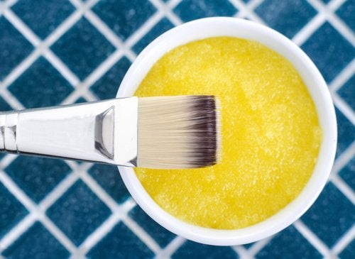 A yellow substance with a brush.