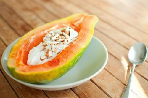 Papaya with yoghurt